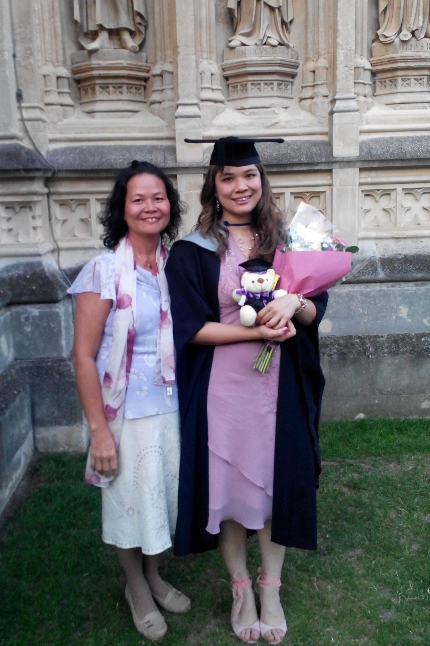 Kalysha Howard-Smith graduation photo with mother