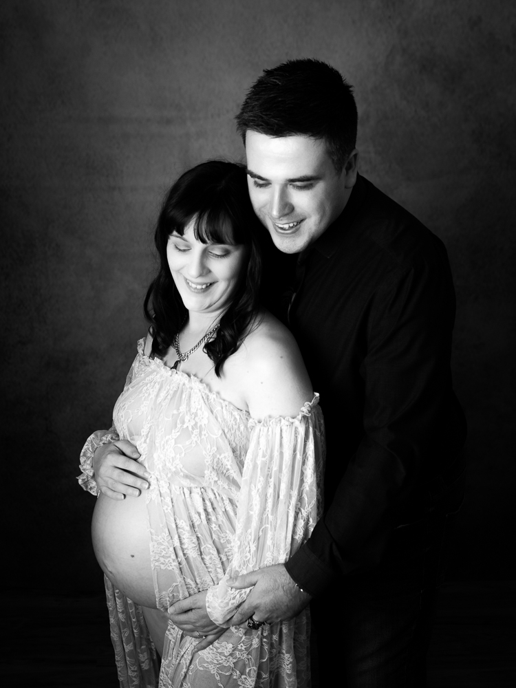 studio maternity photo mother & father
